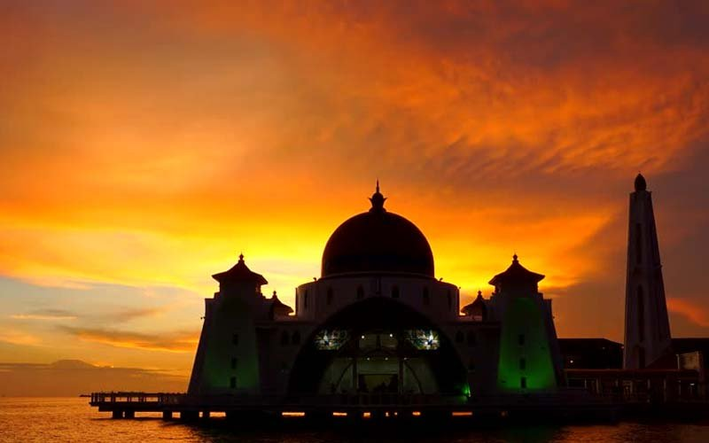 Menyesal Ketinggalan Shalat Berjamaah, Umar bin Khatthab Lakukan Hal 'Luar Biasa' Ini